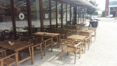 Restaurant | outside tables | Coral Office Park